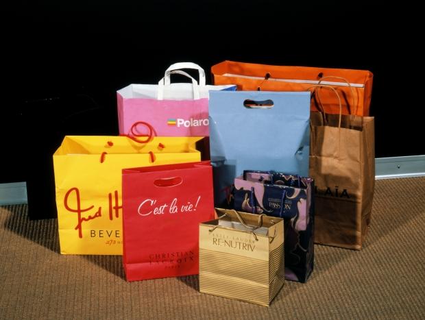 """""""C'est la Vie!"""" De la serie """"Shopping bag"""". Instalación 1990"""